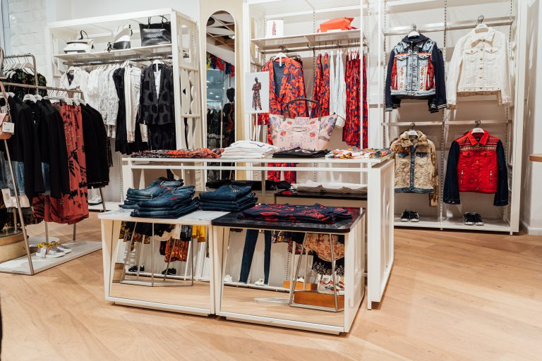 Desigual store interior 002 sandton city south africa